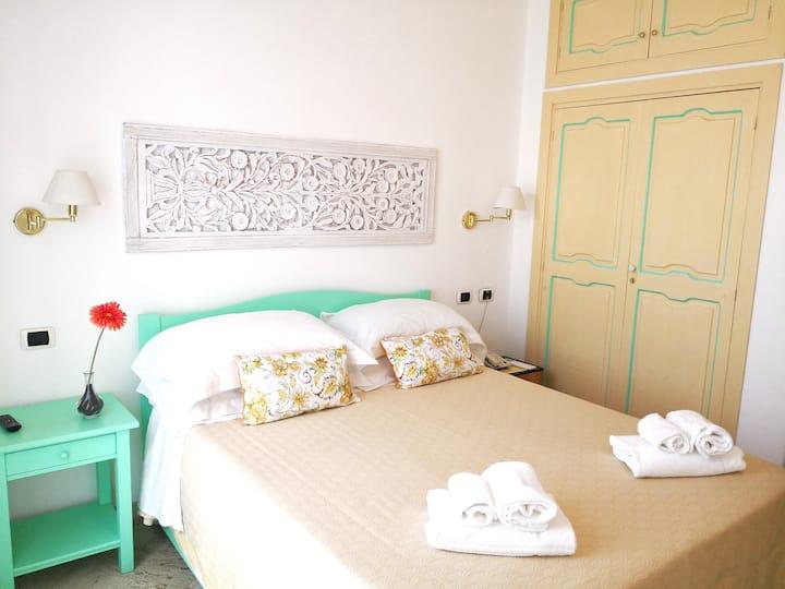 Economy Double Room in the heart of Stromboli