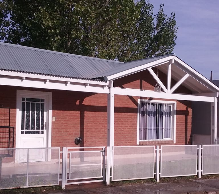 trelew singles Trelew international airport is just a little over 4 miles from trelew, and 16 miles from the neighboring city of rawson you can reach trelew in just 10 minutes, and rawson in half an hour to 40 minutes.