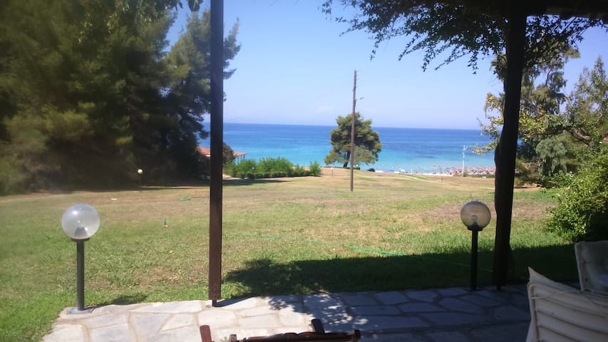 Beach Front 3 Bedroom Residence in Chalkidiki - Elani
