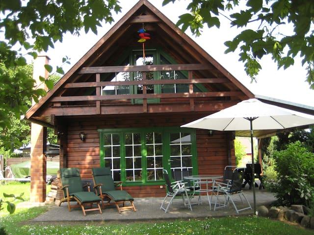 """Ferienhaus """"I.Winkler"""" Neukalen Kummerower See"""