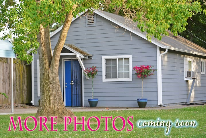 BLUEBERRY COTTAGE ~ Clean, Private and Comfortable - Walnut Grove