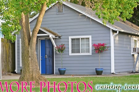 BLUEBERRY COTTAGE ~ Clean, Private and Comfortable - Walnut Grove - บ้าน