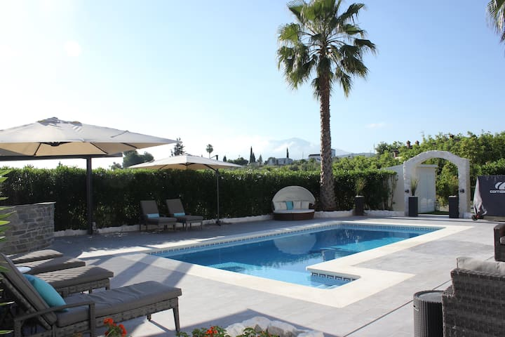 Villa with separate Cabin in Coin - Pool & Hot Tub