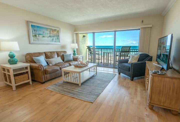 Penthouse - Next to the Pier - Amazing Oceanfront Views