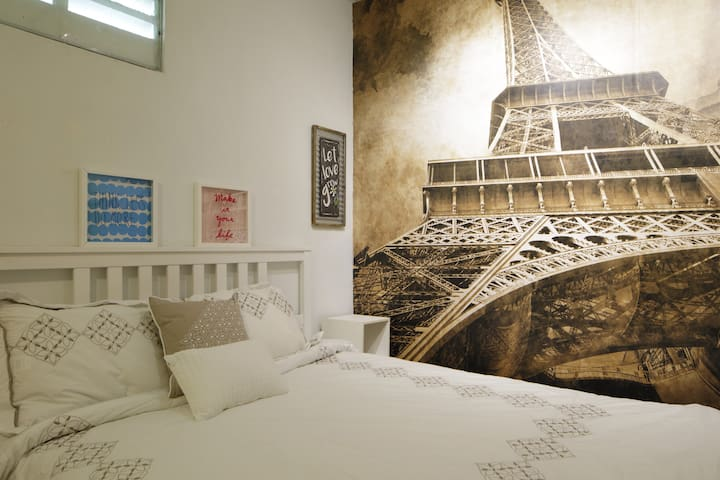 "Le ""Studio Boheme"" cozy and close to beaches."