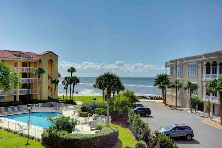 KING & PRINCE 3 BR 3BA Beachfront Bargain!!