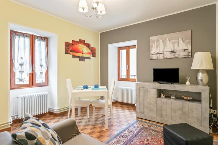 APT 50m far from Como Lake, free unlimited WIFI!