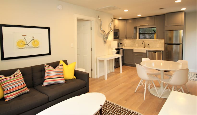 Brand New Mid-Mod Spacious 1bed/1bath Apt PRIVATE!