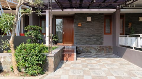 Asri e Residência acolhedora em Bali City