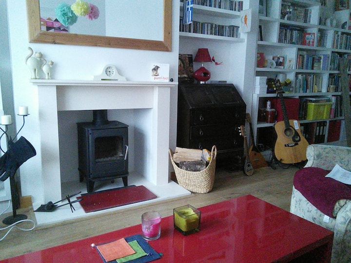 Cosy Edwardian 3 bedroom terraced house (room 2)