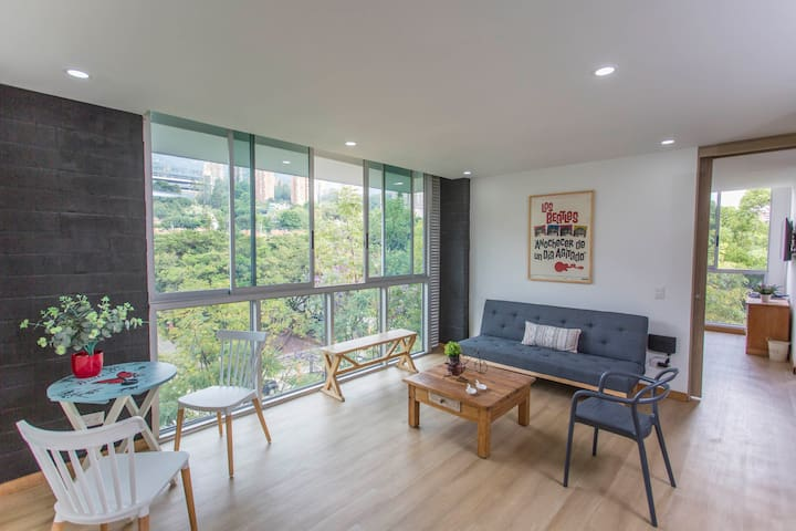 NEW Clean, Cozy Apartment in Medellin, El Poblado!
