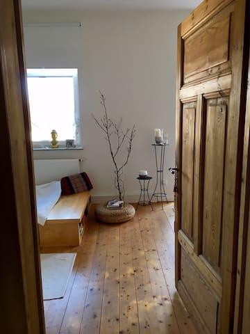 Altbauwohnung im Bi-Osten für 1-2 Personen - Bielefeld - Wohnung