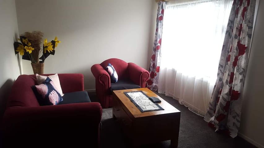 Self contained unit in Porirua