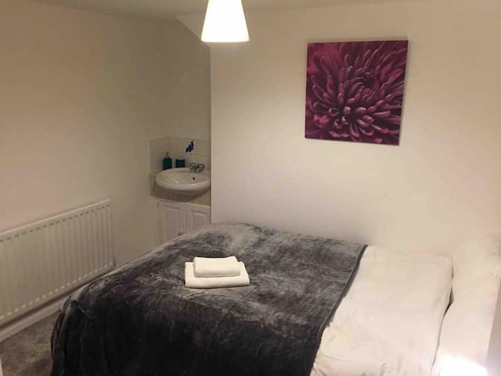 Cozy loft room to enjoy like home