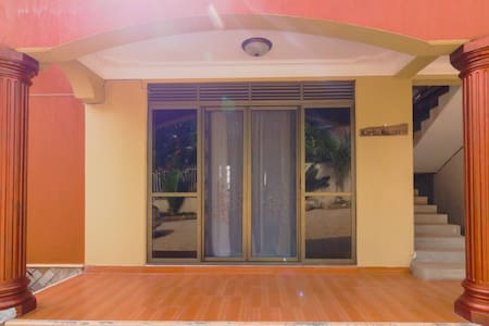 2bedroom apartment in the heart of Muyenga kisugu