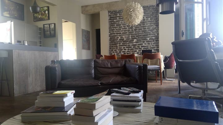 Paris Montmartre Parisian Loft &Gardens/2 bedrooms