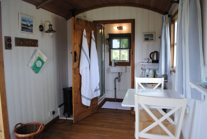 Shepherd's hut in Oxford village - Oxford - Barraca