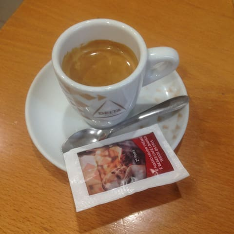 """A standard coffee. There must be more than 50 coffee variations. Much/little warm/cold milk, warm/cold small/large cup, milk first/coffee first etc. Practically every café in Lisbon (and Portugal) makes perfect coffee. Never pay more than 1 euro for a """"bica""""!"""