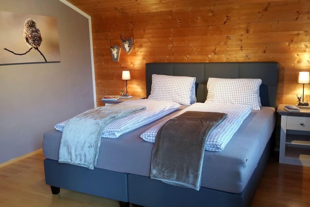 Schlafzimmer 2 mit Boxspringbetten