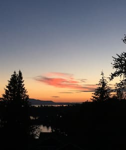 Toad Lake Penthouse Suite - Bellingham