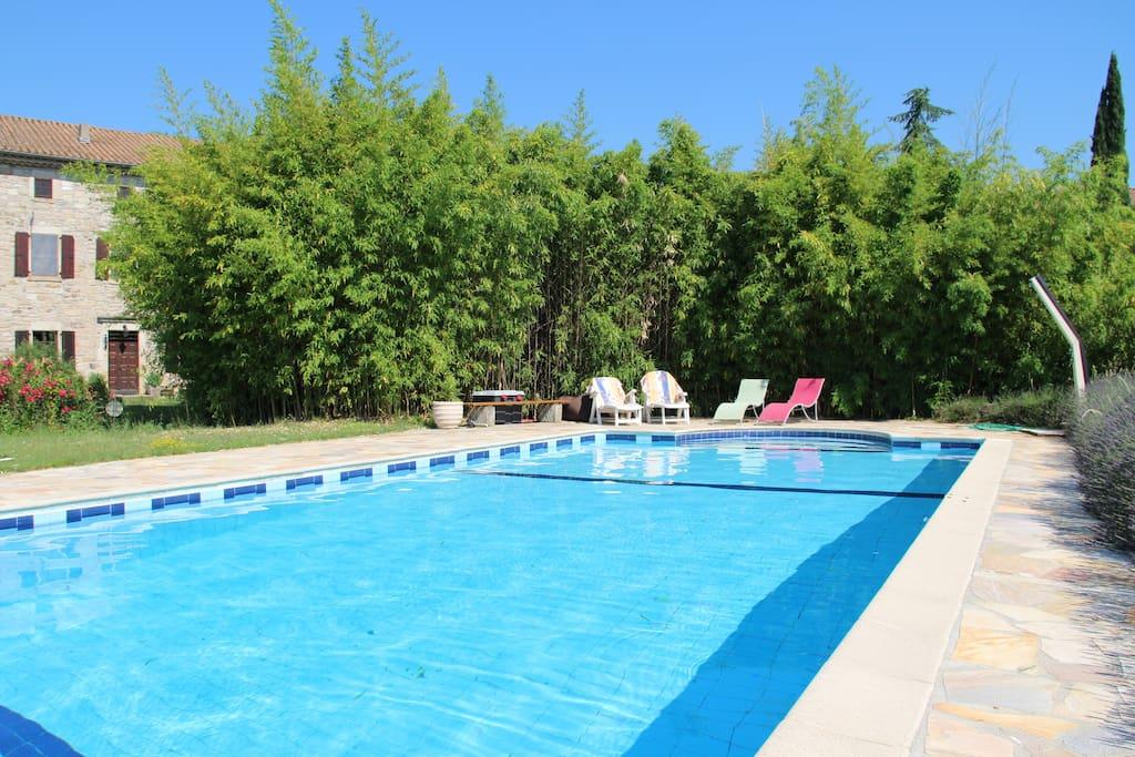 Gite 250m2 dans un mas de caract re avec piscine maisons for Gite auvergne avec piscine