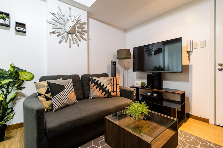 FREE PARKING | Azure | Maldives | 2BR | Near NAIA