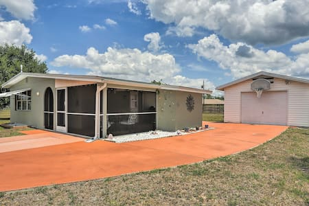 Updated Lehigh Acres House w/ Screened Porch!