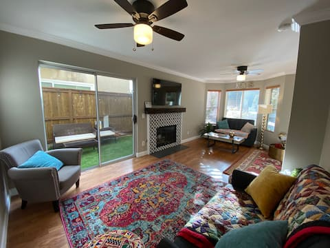 3 bed townhouse and private yard in Crown Point PB
