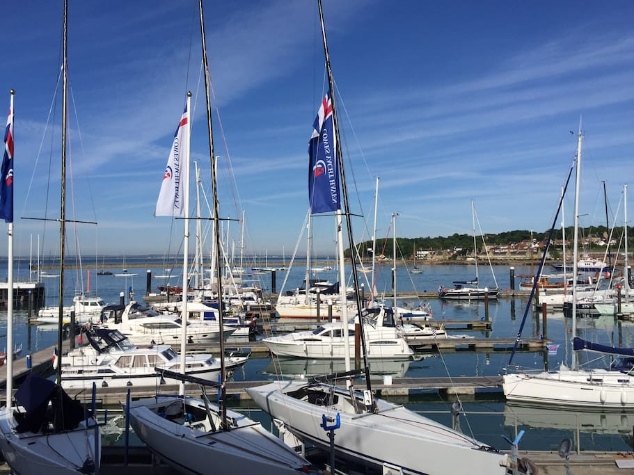 Cowes yacht haven marina
