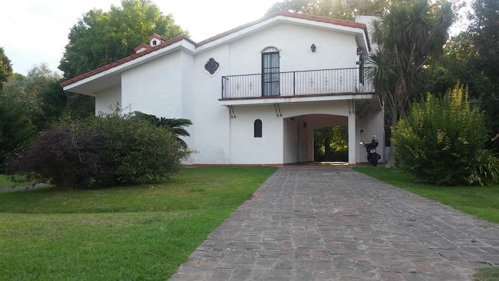 Casa en Golfer's Country Club