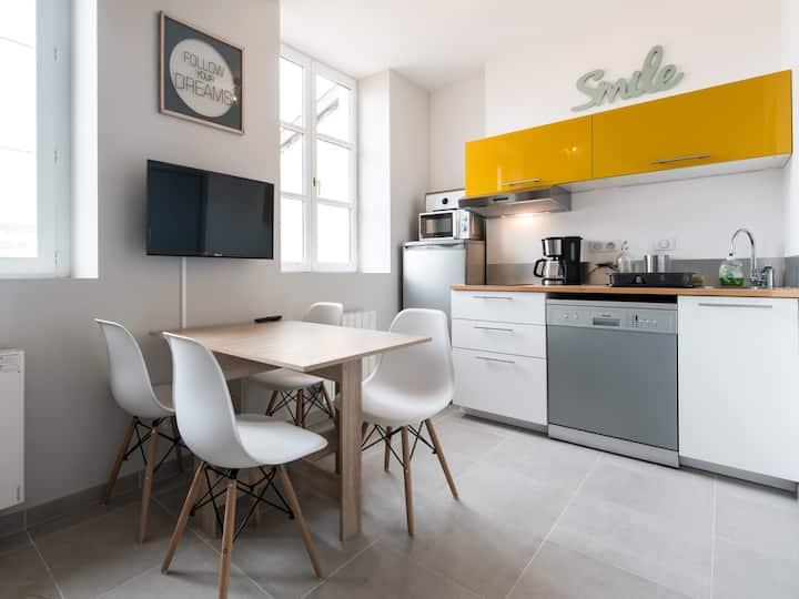 Loft Scandinave Zen/HiTech apartment PartDieu + parking included