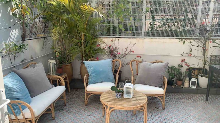 Cute 1BR Apartment with Sunny Private Terrace