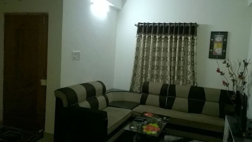 Lalithya August - Two Bedroom Service Apartment - Bangalore - Apartotel