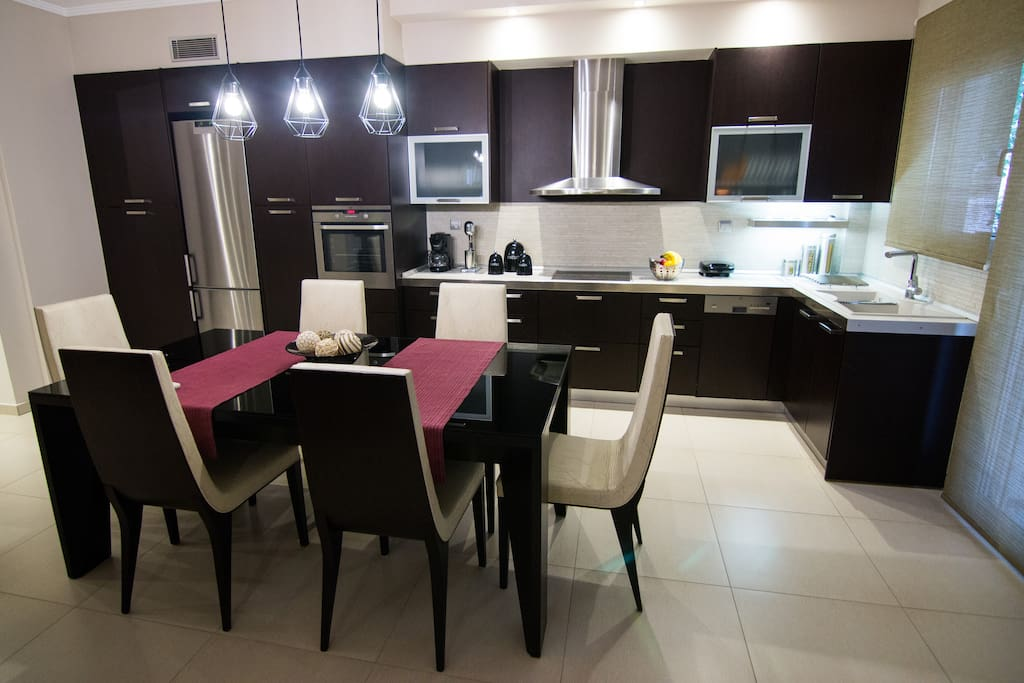 Spacious Dining Area - Kitchen