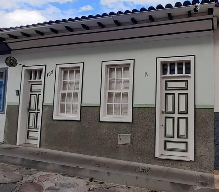 Casa Centro Histórico - Suíte entrada privativa
