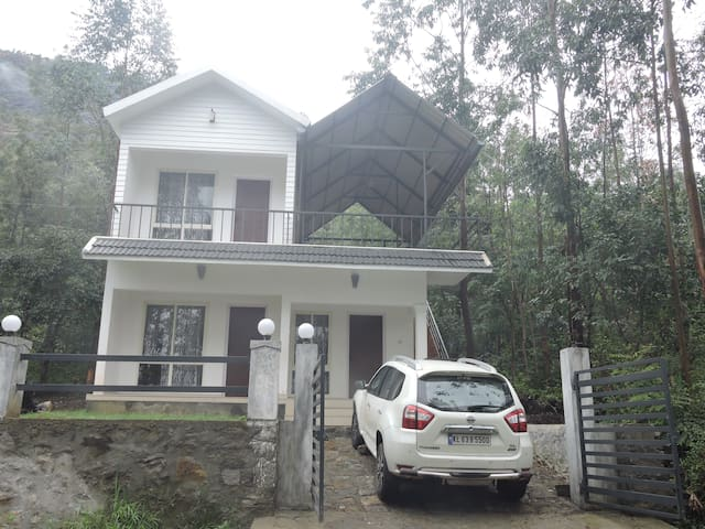 Lovenest Holidays - Idukki - Apartment