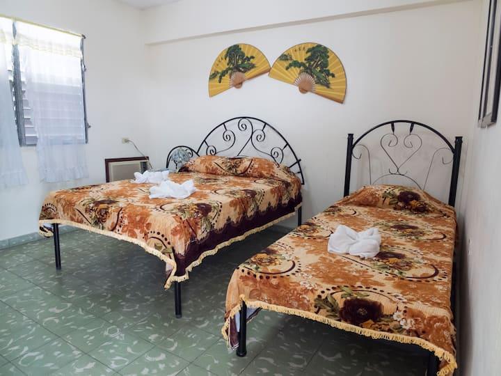 Centro de Cienfuegos YO-BA Apartamento #1