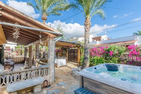 CAS PATI (SON MOJA) - Fantastic house in Son Moja, with private jacuzzi and near to Cala Santanyí beach.