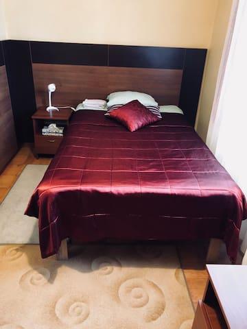 1 - osobowy z podwójnym łóżkiem