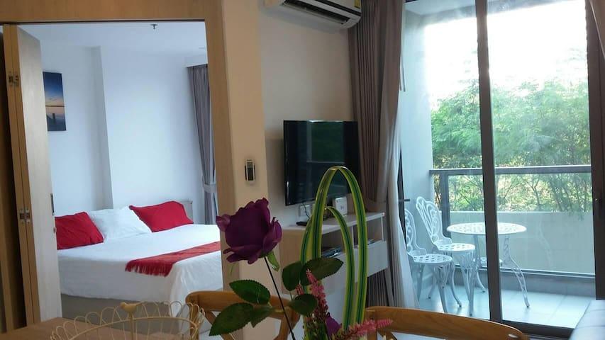 Luxury 1 Bedroom Condo - Free WIFI-Washing Machine