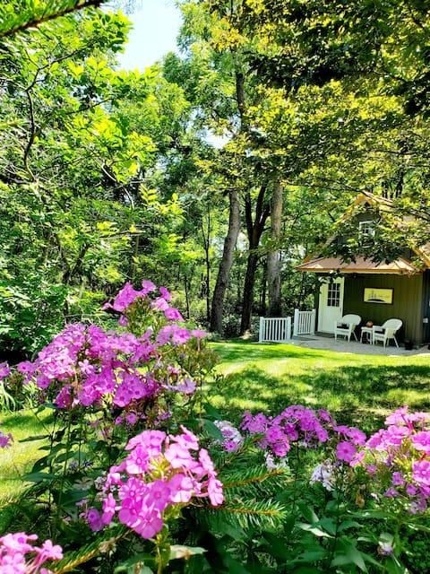 Arbor Crest Cottage- Estancia en granja