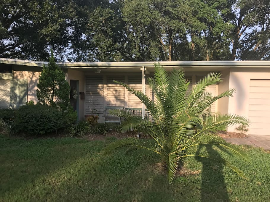 Your Florida home, tucked away back in a quiet cul-de-sac with off street parking