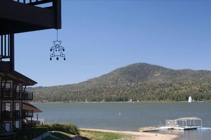 Remodeled-Lakefront Townhome - Big Bear Lake - Sorház