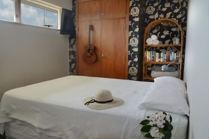 Room by the Sea | near New Plymouth