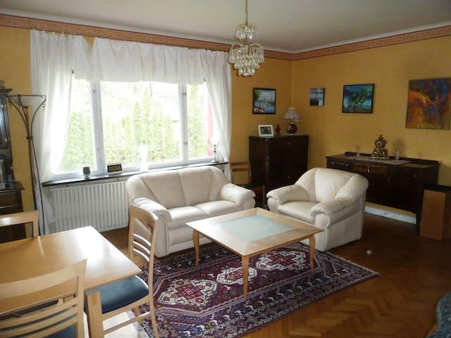 Fint hus i lugnt och centralt område i Solna