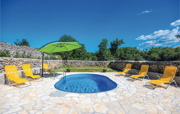 Holiday cottage with 2 bedrooms on 173 m²