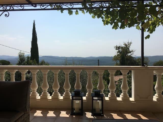 Beautiful villa, pool/views near Lac de St Cassien - Montauroux - Villa