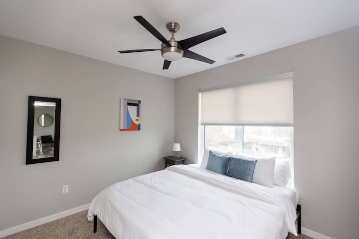 Kasa | St. Louis | LUX 1BD/1BA Downtown Apartment