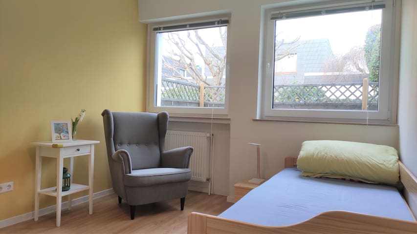 Convenient,newly renovated, single room 2 in house