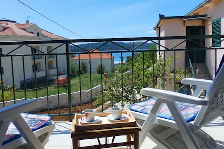Holiday House Vesna - Okrug Gornji - Villa